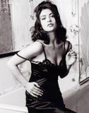 Catherine Zeta Jones EDIT: Added 1 Image 04/27/05 Foto 74 (Кэтрин Зэта Джонс EDIT: добавлено 1 изображение 04/27/05 Фото 74)